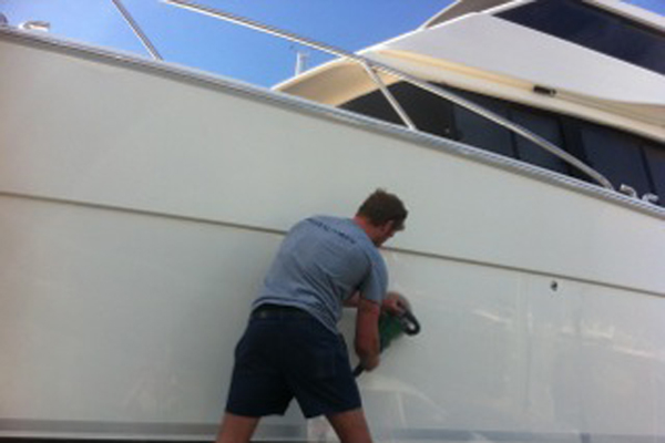 Polishing boat